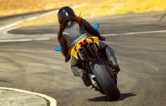 motosiklet dönüş