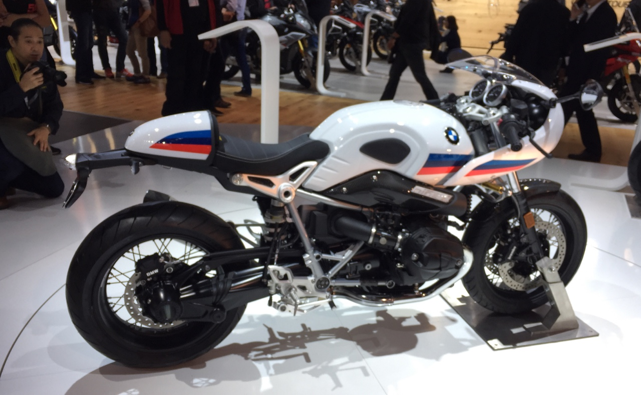2017-bmw-r-nine-t-racer-4