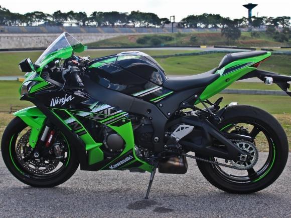 kawasaki-ninja-zx10-rr-6
