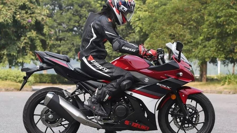 suzuki-gsx-250r-side