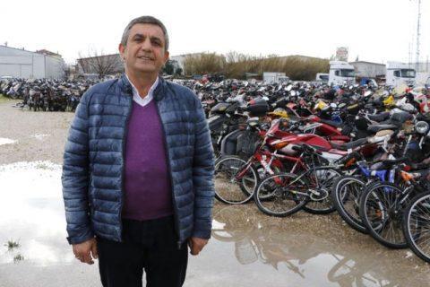 2 bin motosiklet çürümeye terk edildi