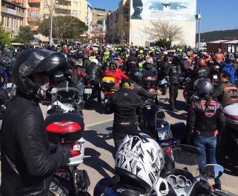 3 bin motosikletliden Şehitlere Saygı Sürüşü