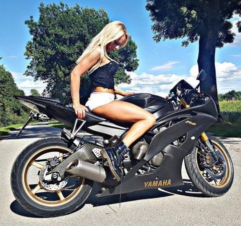 Motorun Kızlara Daha Çok Yakıştığını Gösteren 24 Kanıt