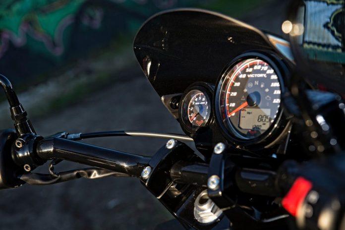 motosiklet-hiz-gostergesi