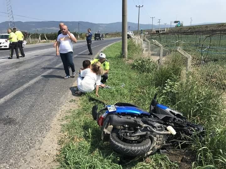Kazada kopan bacağı hastaneye yetiştirildi