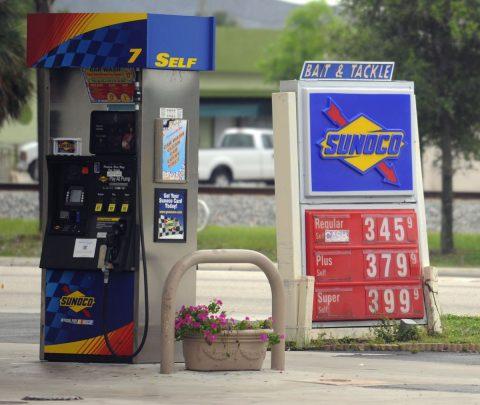 Yakın Zamanda Benzin Dolduracak Kimse Kalmayacak