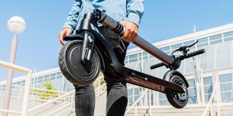 Swagtron 199 $ ve 399 $ için iki yeni model elektrikli scooter çıkardı