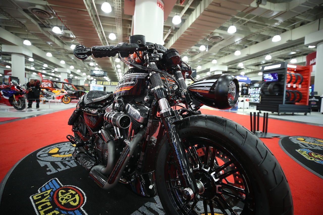 20191206 2 39716123 50144339 iJoY.jpg - Motosiklet Fuarı New York Javits Center'da ziyaretçilere kapılarını açtı