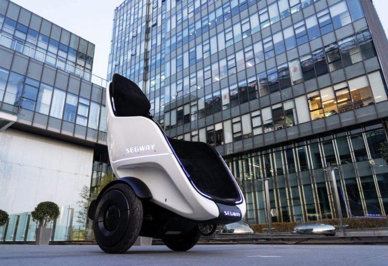 s pod segway 800x548 - Segway-Ninebot elektrikli scooter, fütüristik tekerlekli sandalye