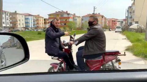 """Motosikletle Yolculuk Yapanlara """"Sosyal Mesafe""""den Para Cezası"""