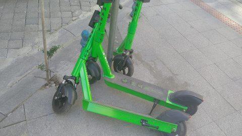 Elektrikli scooter kullanımına yaş sınırı ve ehliyet şartı geliyor
