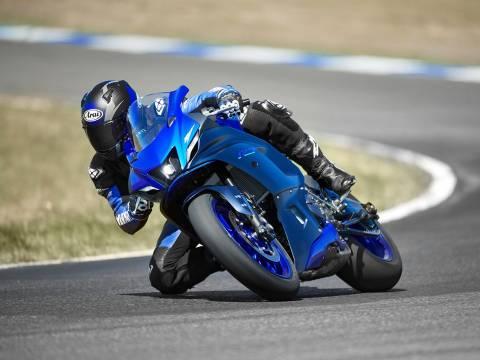 2022 Yamaha R7 Supersport Özellikleri ve Avantajları