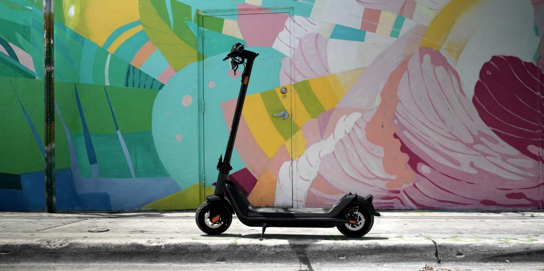 NIU KQi3 elektrikli scooter