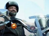 Motosikletle Trafikte Ölmeden Önce İzle